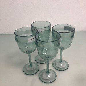 4-mooie-drank-glazen-plastic