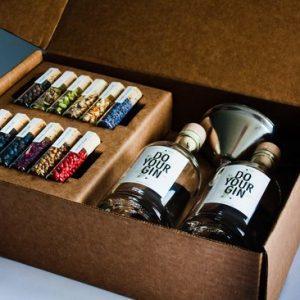 do-your-gin-zelf-gin-maken-gin-tonic-geschenkset-gin-botanicals-