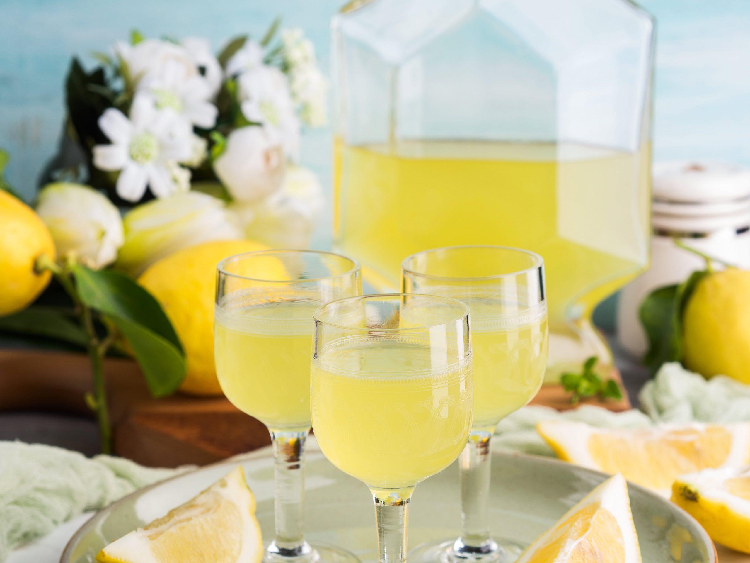 Limoncello Sprtiz Cocktail